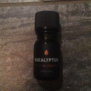 Eucalyptus 100% natural essential oil